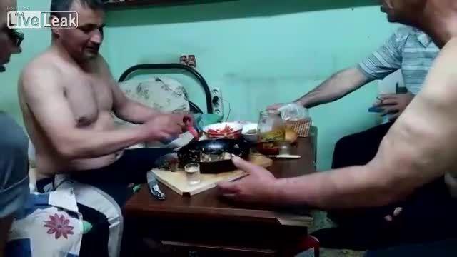 خوردن الکل و آتش گرفتن