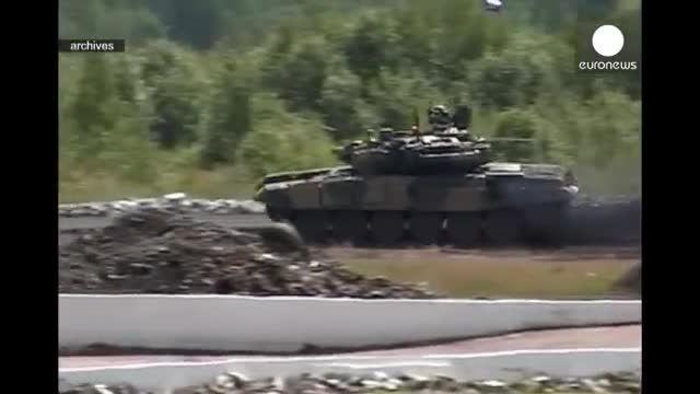 استقرار هفت تانک «تی ۹۰» روسیه در پایگاه هوایی لاذقیه