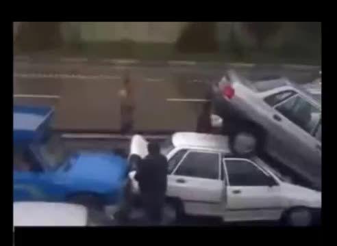 پرواز پراید از عقب پس از تصادف