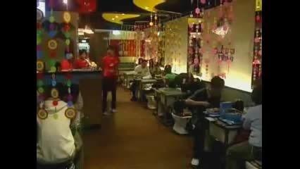 رستورانی عجیب که غذا را در کاسه توالت سرو میکند!!!!!!!!