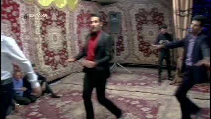 اجرای آهنگ فلک به زبان فارسی با صدای محسن عرب