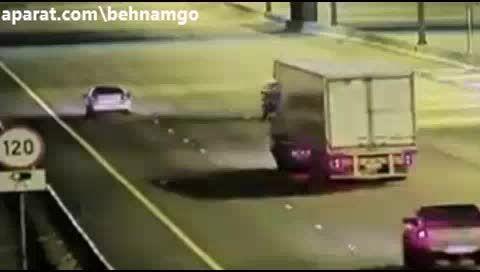 تصادف شدید در بزرگراه..