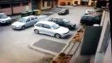 پارک کردن ماشین به روش زنان خارجی