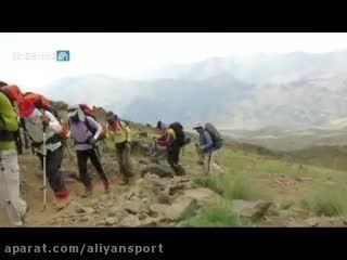اولین صعود طلاب حوزه علمیه قم به قله دماوند