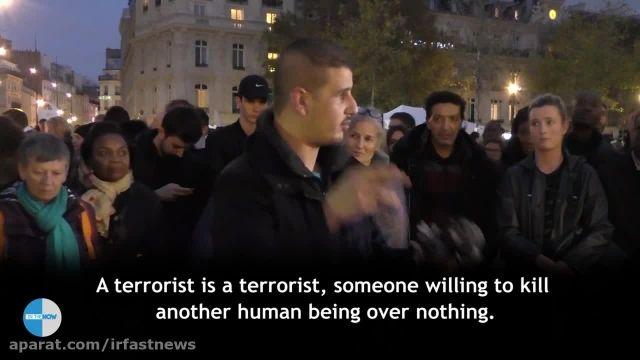 مرد مسلمان بعد از حادثه پاریس مردم را در آغوش گرفت