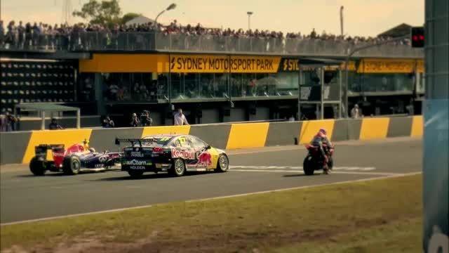 مسابقه خودروی فرمول یک-خودروی پیشرفته و یک موتورسیکلت