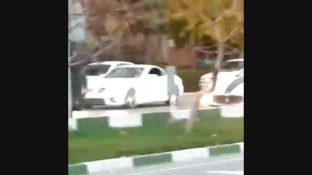 گذر بنز و پورشه و مازراتی در تهران!