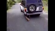 روشی خلاقانه برای حرکت دادن ماشین بدون چرخ
