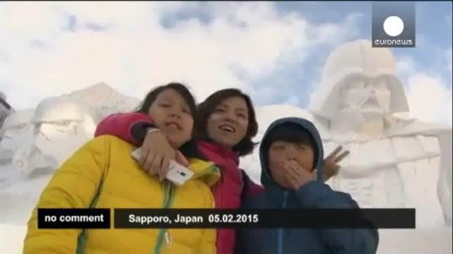رونمایی از مجسمه های یخی عظیم الجثه در ژاپن
