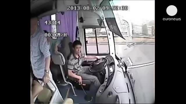 تصاویر وحشتناک از تصادف یک اتوبوس در چین..