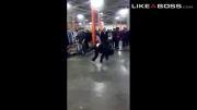 واکنش پلیس ب رقص خیابانی و کل کل جوونا :|