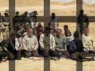 نماز جماعت به امامت قاسم سلیمانی در حین نبرد با داعش