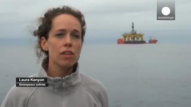 فعالان صلح سبز از سکوی نفتی شل بالا رفتند