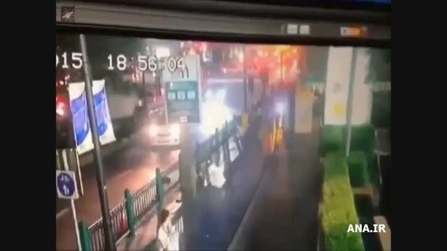لحظه انفجار بمب در معبد هندوهای تایلند