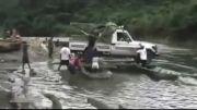 حمل ماشین از رودخانه