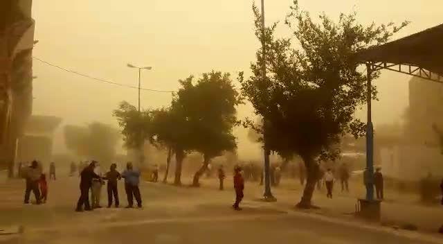 مصاحبه با امام جمعه اهواز در طوفان گرد و غبار