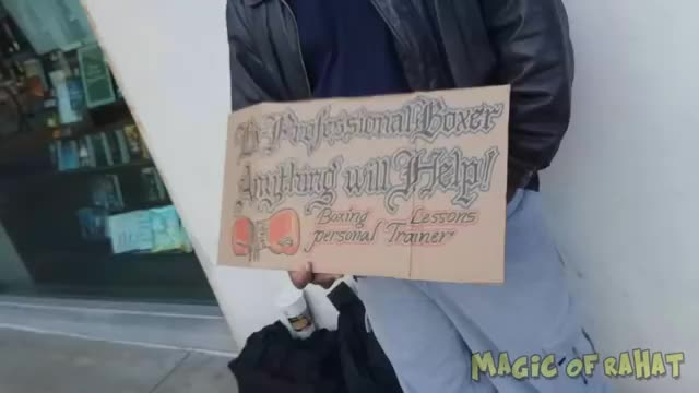 سحر و جادو طنز؛ تبدیل آیفون به کیف پول