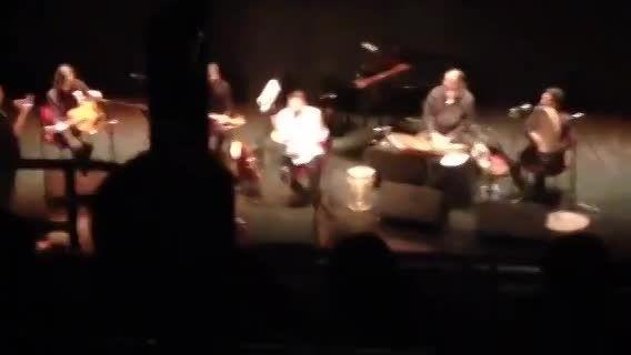 سامی یوسف- اجرای ترانه برو در کنسرت برادفورد 2015