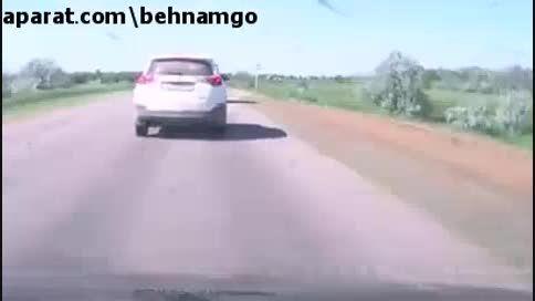 تصادف وحشتناک تویوتا RAV 4 در جاده...!