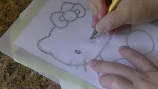 آموزش نقاشی روی کیک ( تزیین کیک تولد )