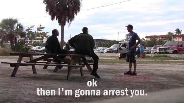 عاقبت شوخی با پلیس در دوربین مخفی :))