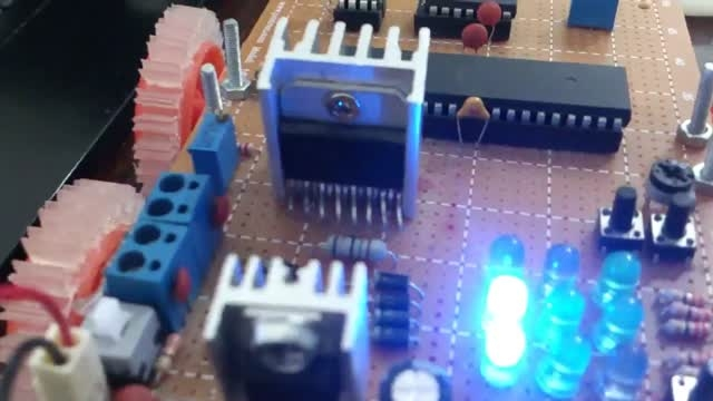 ربات ساخته شده 5 سنسوره اینجانب