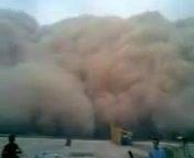 عجیبترین صحنه از هجوم گرد و خاک به شهرهای خوزستان