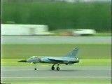 تیک اف و لندینگ دیدنی از جنگنده میراژ اف 1
