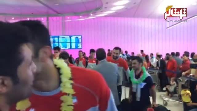 گزارشی کوتاه از ورود والیبالیستها به فرودگاه لس آنجلس