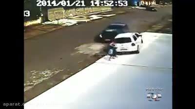 تصادف خطرناک با عابرپیاده