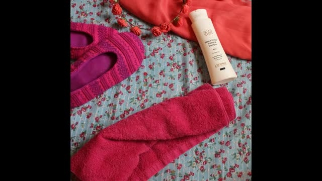 شامپو تقویتی و ضد ریزش مو مخصوص خانم ها