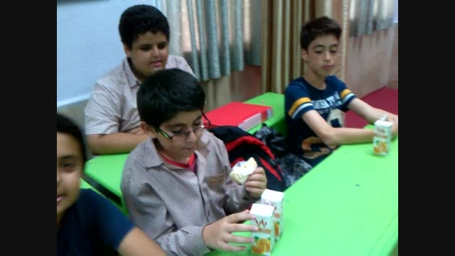 جشن پایان سال تحصیلی همراه با جشن قرآن