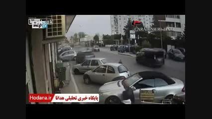 دستگیریه دو سارق مسلح در هنگام سرقت