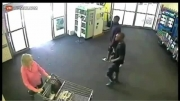دزدیدن کیف خانم در فروشگاه توسط جوان سیاهپوست!....