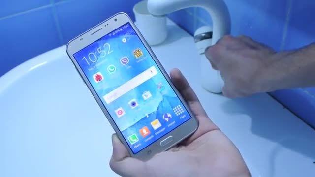 تست آب - Galaxy J7 و Galaxy J5