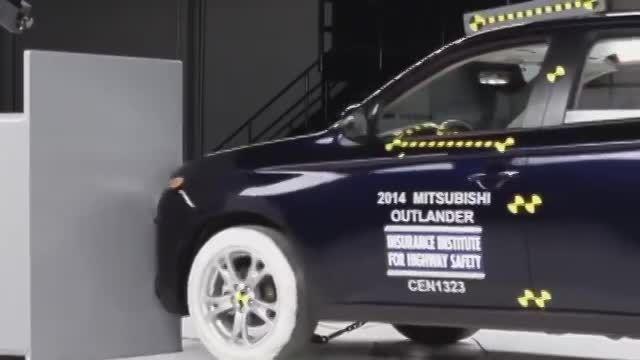 تست تصادف 2014 Mitsubishi Outlander