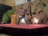 حرکات بازیگر هالیوودی روی صحنه