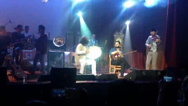 نوازندگی دف و ویولن در کنسرت سلطان احساس