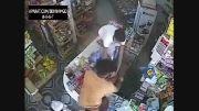 3 به 1.دزدی وحشیانه از مغازه...
