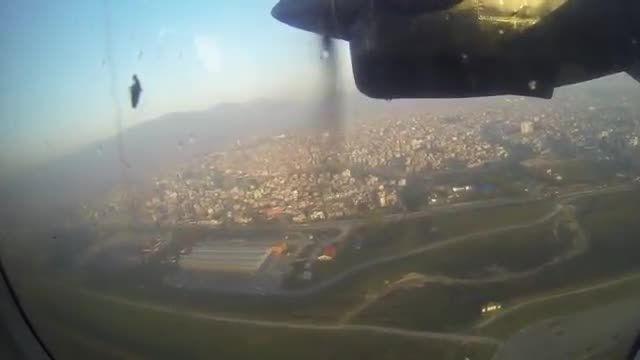 جذابترین پرواز به خطرناکترین فرودگاه جهان
