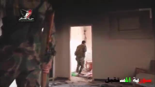 شکار تک تیرانداز تکفیری توسط تک تیرانداز ارتش سوریه