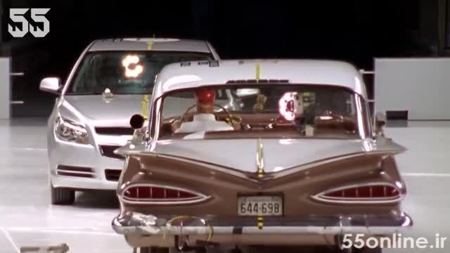 صحنه آهسته تصادف شاخ به شاخ شورلت 1959 با مدل 2009
