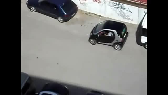شاهکاری جدید از پارک کردن خانم ها