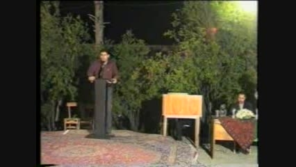 شعر خوانی دکتر  حامد حسین خانی در باغ موزه هرندی کرمان