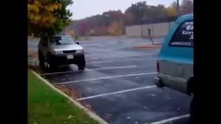 یکی از زیباترین روشهای پارک کردن خودرو