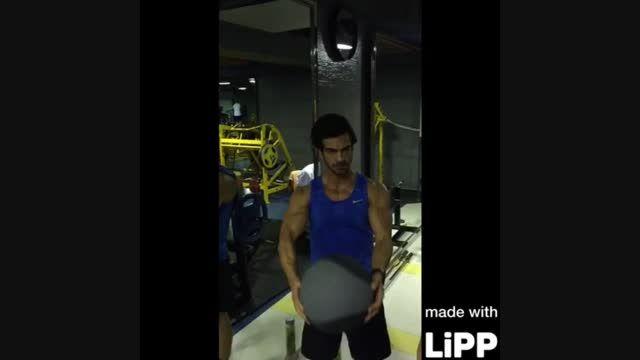 رشد عضلات بالا سینه و فرم دهی سینه