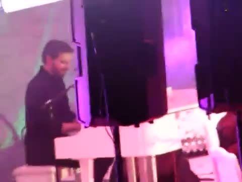 سامی یوسف-اجرای ترانه المعلم در کنسرت غازی آنتپ ترکیه