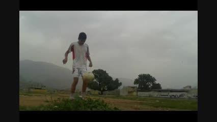 فوتبالیست امید رحمانی بازیکن تیم قایمیه در پست دفاع