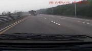ترکیدن لاستیک کامیون
