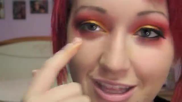 آموزش استفاده از مژه مصنوعی برای آرایش چشم